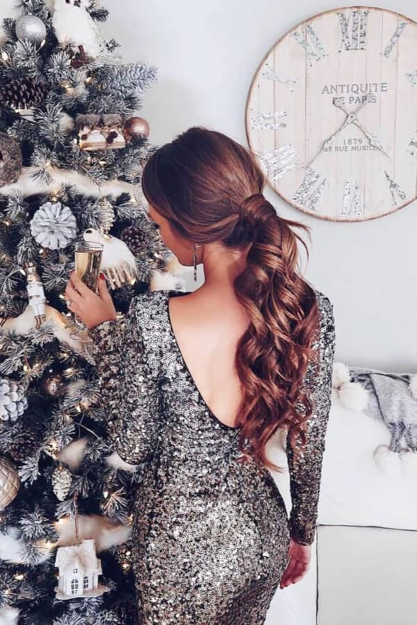 A wavy ponytail is perfect for the Holiday season