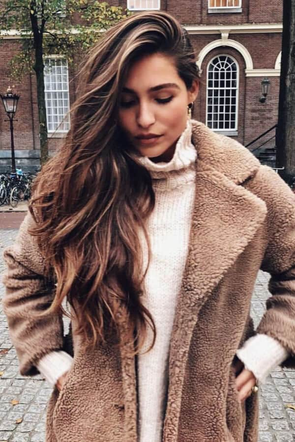 Chestnut-brown highlights will add some much-needed warmth to your look