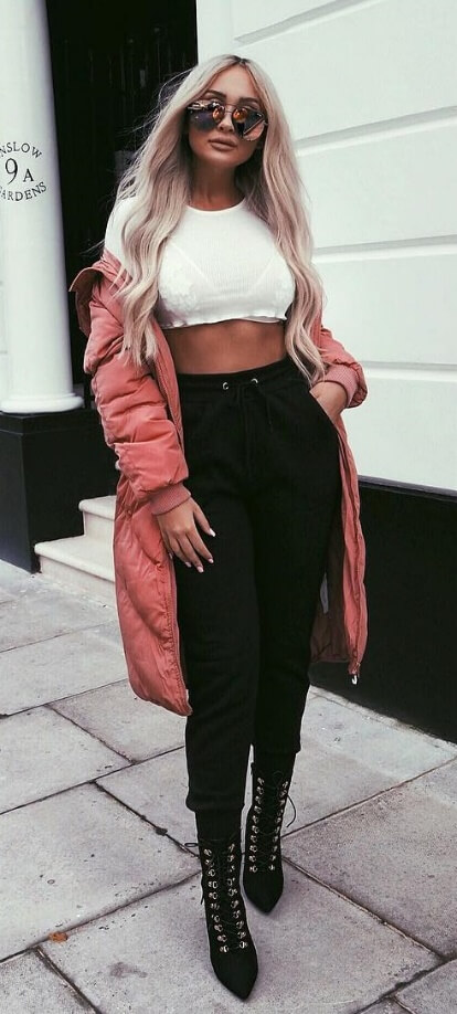 Yes, you can still rock that cropped top over the winter season. Make sure you pair it with a long puffer coat and high-waisted harem pants plus military-style pointy boots.
