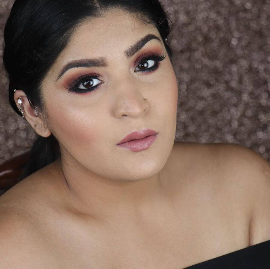 This berry and black smokey eye combination will make you look like a bombshell!