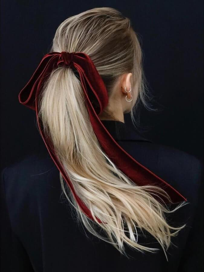 For a more head-turning style, choose a long, thick ribbon to match the color of your outfit
