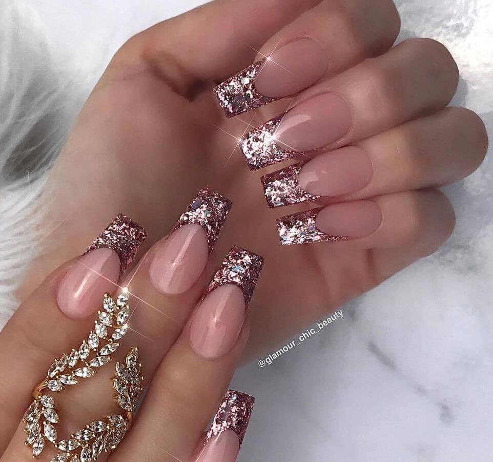 Glitter tips are absolute #nailgoals!