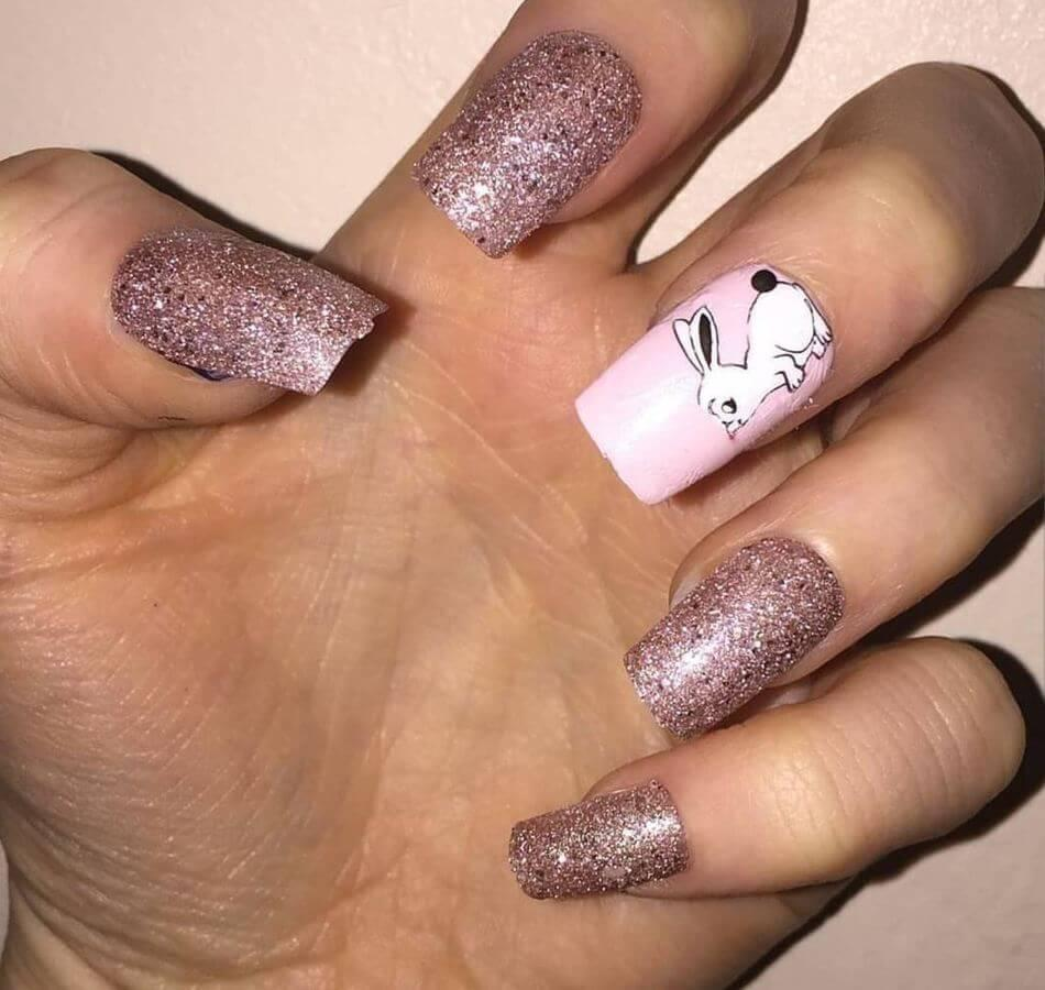 Love glitter? Love bunnies? Why not put them together for this awesome look!?