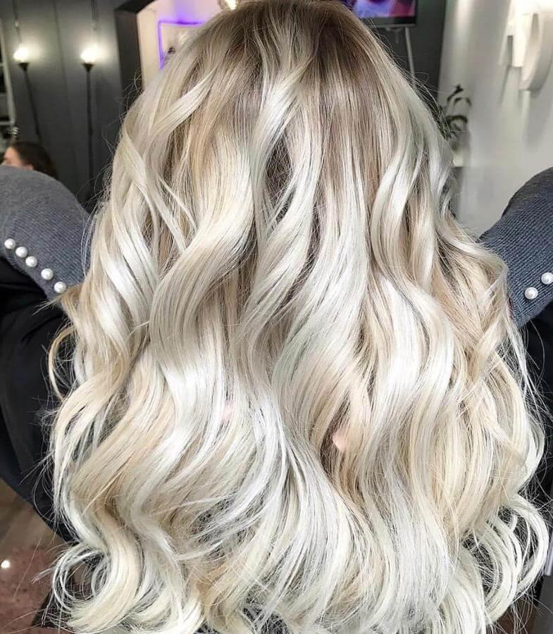 Channel your inner Elsa with this icy blonde look!