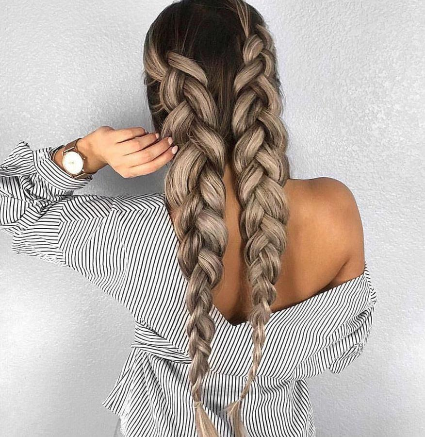 Voluminous braids are ideal for springtime