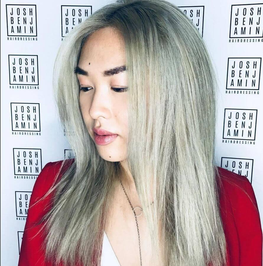 Ash blonde hair and bold eyebrows work beautifully together!
