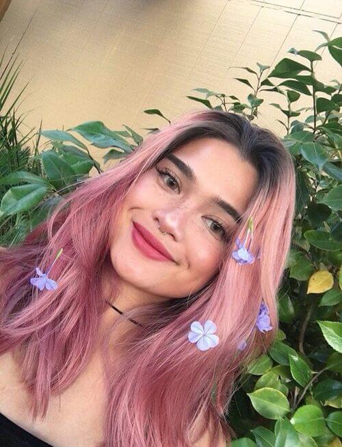 Rose pink hair with flowers: do you feel the whimsical soul inside!