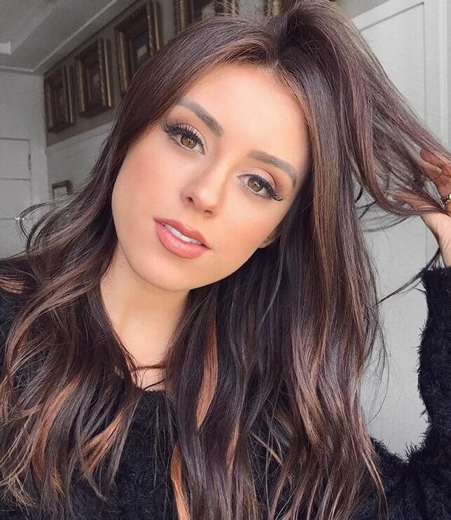 Brown hair with caramel highlights looks especially gorgeous for brown eyed women