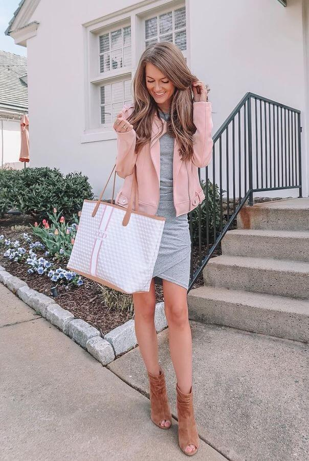 We love this bodycon dress with suede open-toe booties and that light pink jacket. So cute!