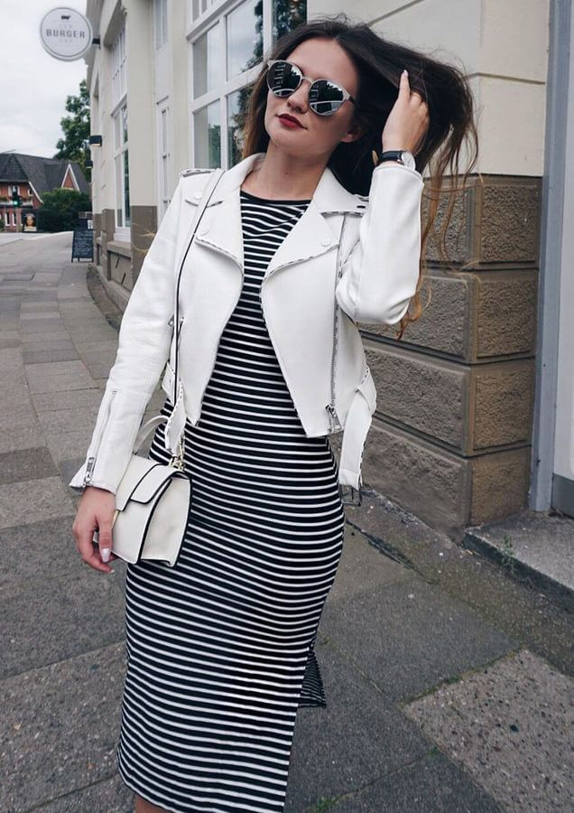 A striped bodycon midi is comfy-chic! Break the stripes with a neutral jacket.