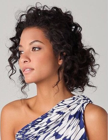 Go with soft pink lip color and with your curly hair. This is a perfect look for weekend days!