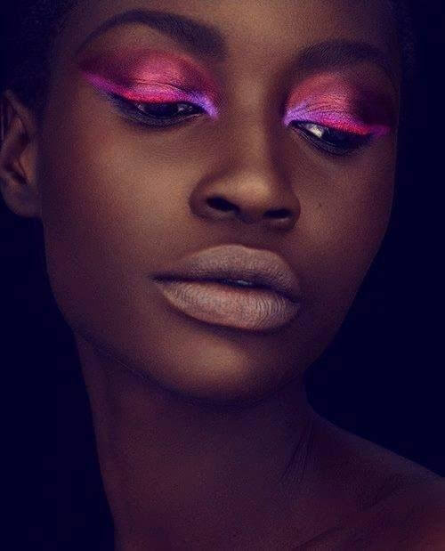Be creative and let your face be the canvas for your pink eyeshadows! Even though this look is bit eccentric, you can try it on your own.