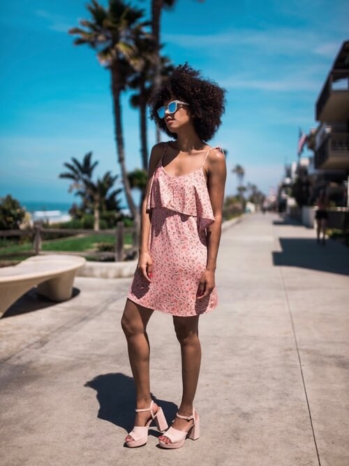 A matchy soft pink outfit looks romantic and chic. The dress has lovely ruffle hemline and mini length. #summerstyle #summerfashion