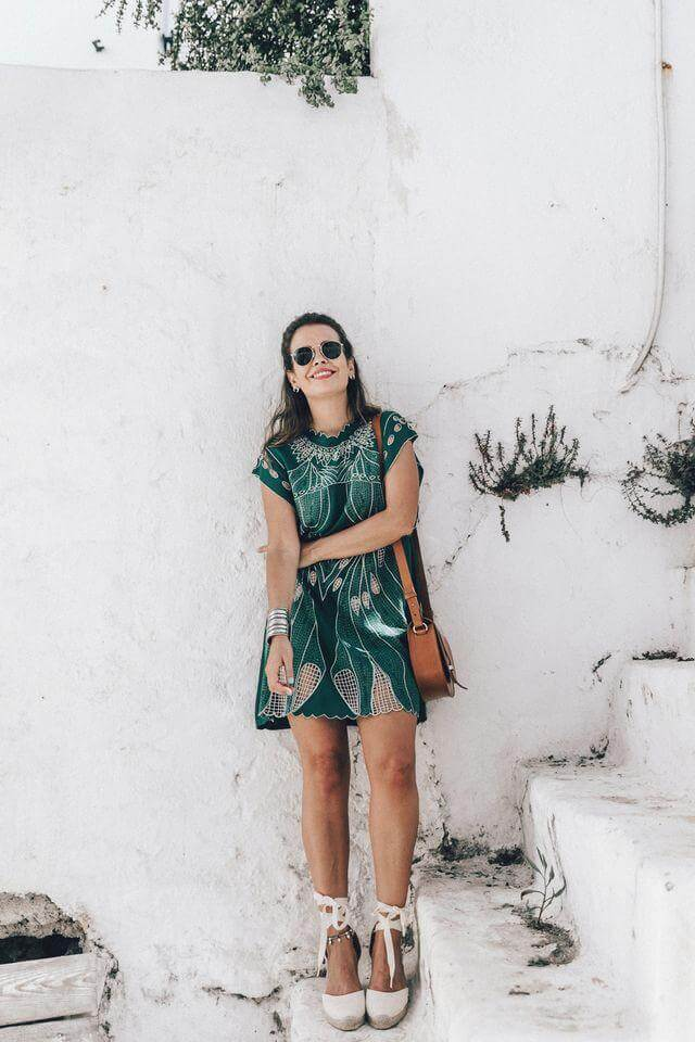 This straight green dress is a nice mix of cotton and crochet details. Style it with white espadrilles and brown bag. #summerstyle #summerfashion