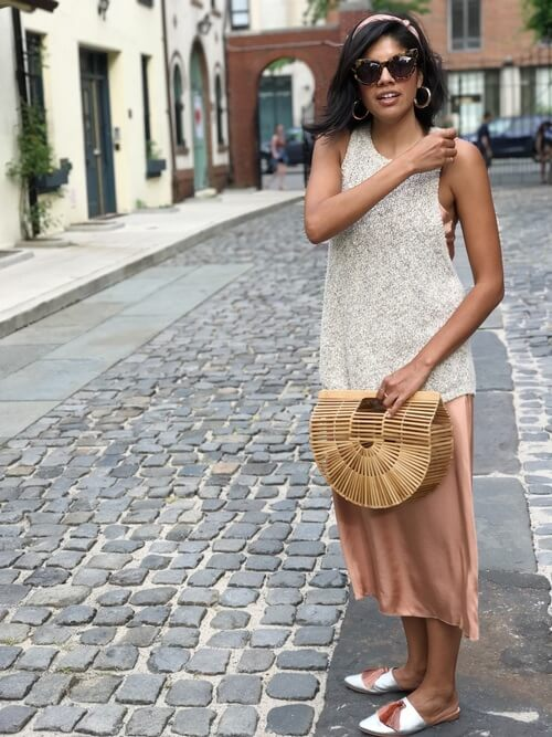 Layering down your sleeveless top over soft pink silk dress is a great idea! You will achieve an exciting and quite eccentric outfit. #summerstyle #summerfashion
