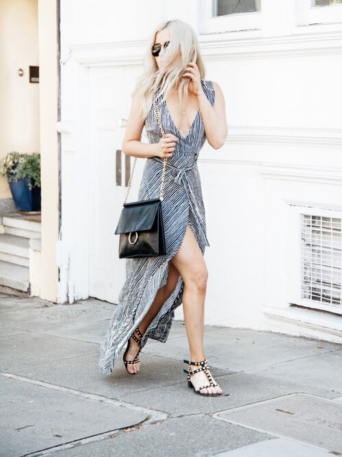 Maxi wrapped dresses are stunning and very comfortable. You can wear them for multiple occasions. #summerstyle #summerfashion