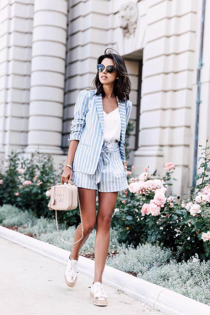 Striped and matchy summer suit is perfect for both casual and elegant wear. Style them with both high heel sandals or flat oxford shoes. #summerstyle #summerfashion