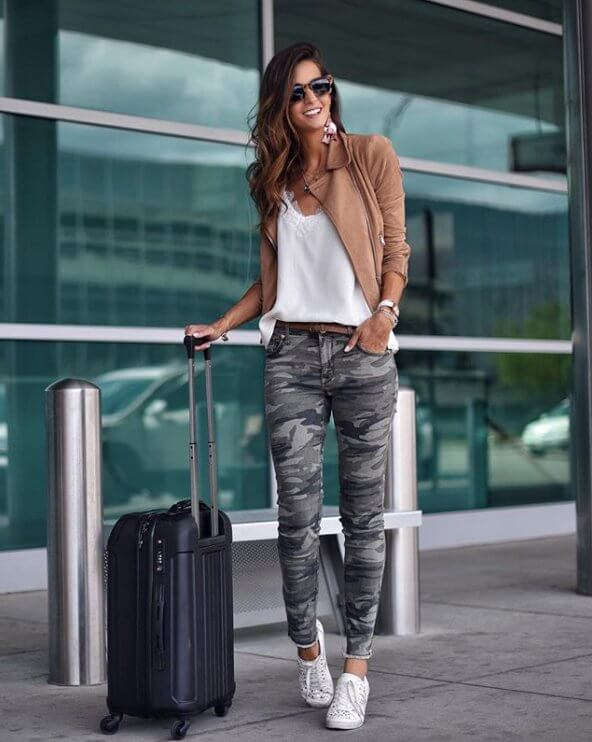 White sneakers match with a white blouse, and military pants ads a real charm to this look. #summerstyle #summerfashion