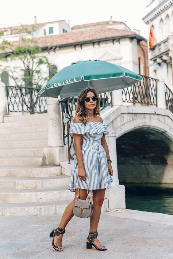 Striped dress with a cut-out in the back is perfect for giving you an extra dose of ventilation! Short and A-line dress like this will be your summer favorite! #summerstyle #summerfashion