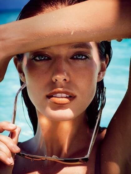 For the pool makeup all you need to do is to find a perfect waterproof eyeliner and mascara #makeuptips