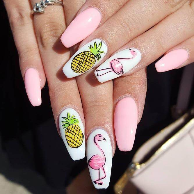 This detailed, yet simple design proves you can't go wrong with a fun mix of flamingos and pineapples!