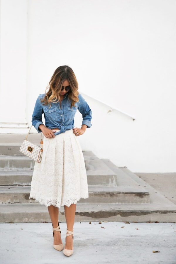 Lace is an excellent option if you want to feel feminine and chic. And the best way to make lace casual and acceptable for a daytime wear is paired with denim.