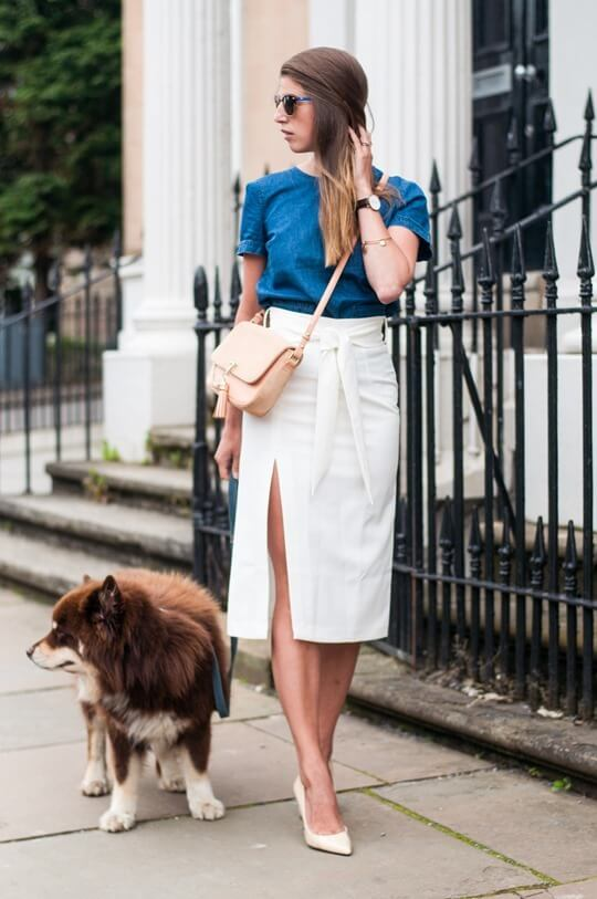 To get all the looks, a front split skirt will for sure help. But wear it in a chic way, a pair of heels and jeans tee is the way to make them appropriate for daytime.