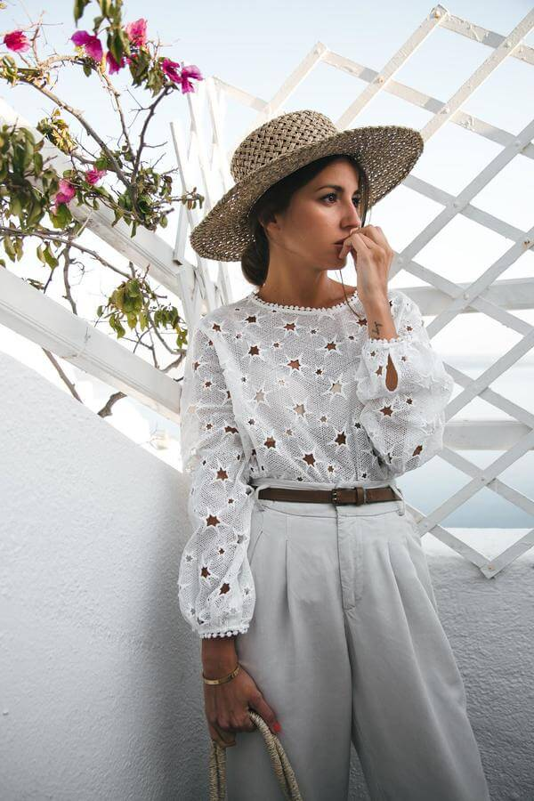 If you ask us, this would be my perfect outfit while on a seaside. High waist pants and stars crochet top seems chic and very sophisticated. #sheertop #summeroutfit