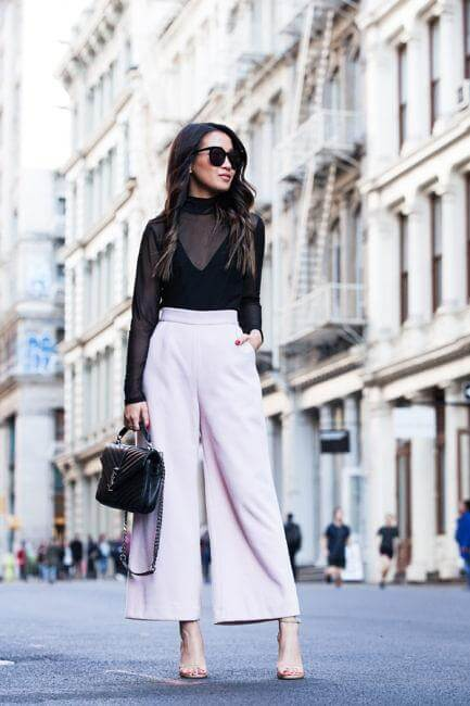Lilac wide leg pants can be your elegant garment for formal occasions. It works perfectly with black color. #sheertop #summeroutfit