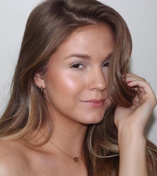 Subtle touches of highlight on the face and body can give off the appearance of a dewy glow. If you're looking to achieve a more subdued finish like these examples show, try applying makeup sparingly with a light hand! #glowup