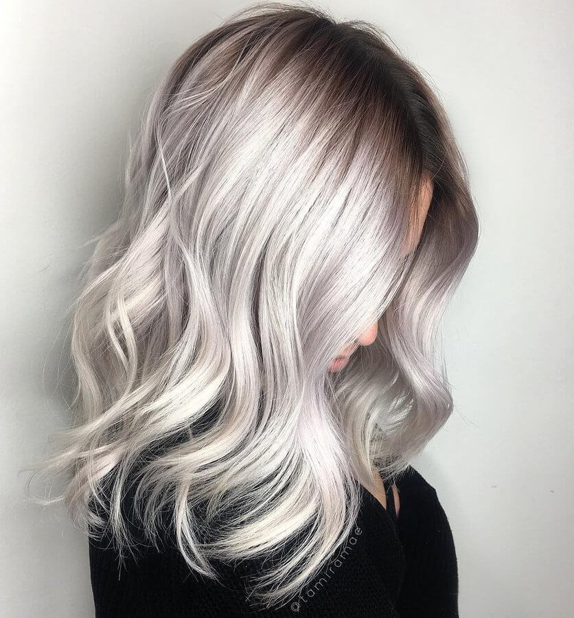 Balayage is a special technique that hairstylists use. The results with wavy hair are just amazing. #wavyhair #hairstyle