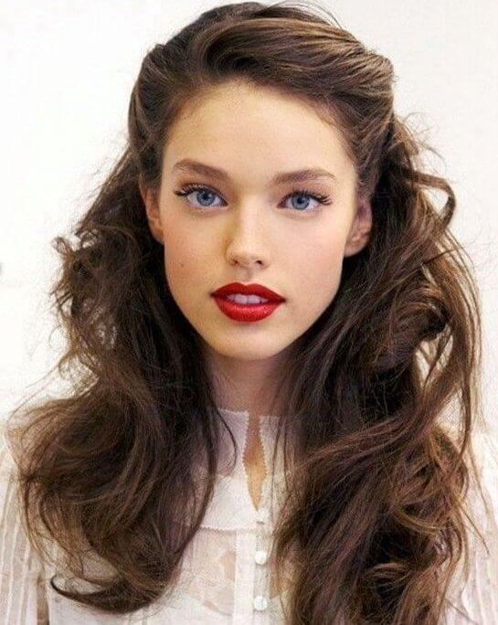 A beautiful wavy hairscreates a vintage look with a modern twist. #wavyhair #hairstyle