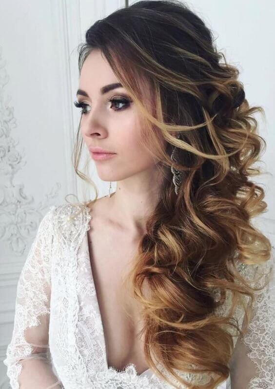 Don't hesitate to wear loose side hairstyles with your waves for your wedding day. #wavyhair #hairstyle