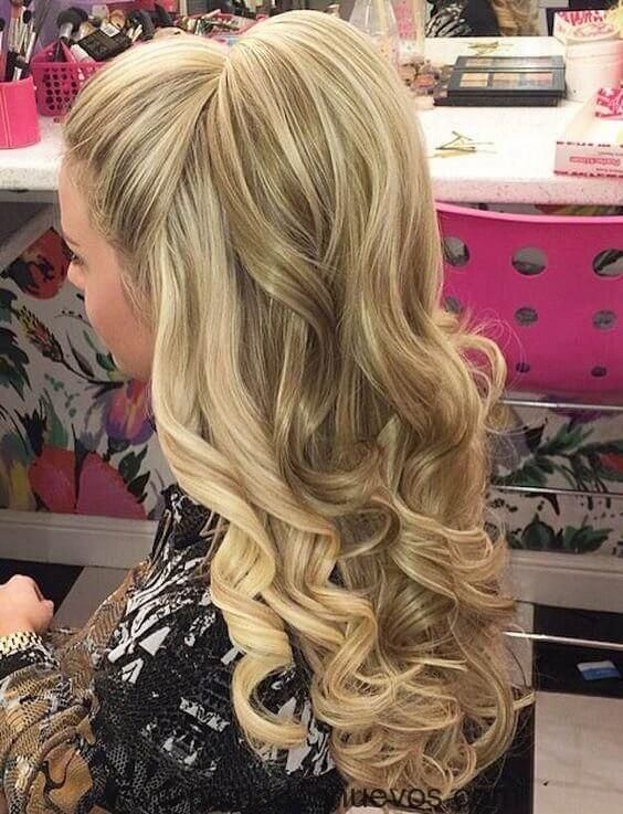 If you are looking for an extravagant hairstyle, then this one can be perfect for you. #wavyhair #hairstyle