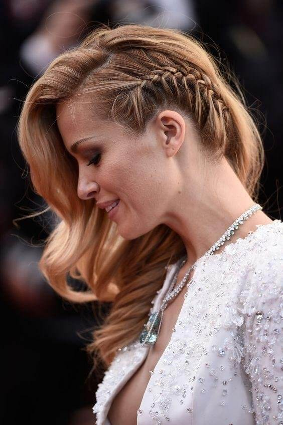 Make a braid right above your ear. It will look fabulous and attractive. #wavyhair #hairstyle