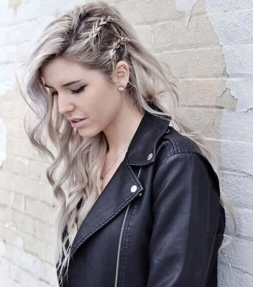 Leather jacket and printed tee are a great way to show off your rock 'n' roll style. Messy hair and braids are working along perfectly with this style. #wavyhair #hairstyle