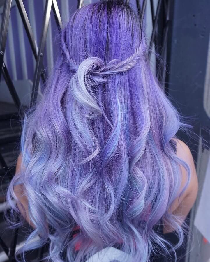 What about purple? If you are into darker but eccentric hair colors - try this! #wavyhair #hairstyle