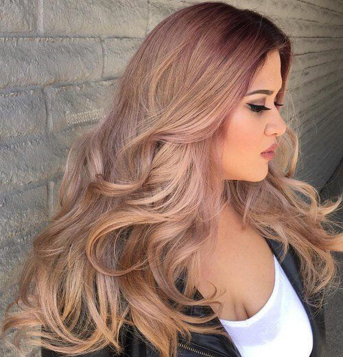 Blush blonde hair and matching makeup will make you a star of any event! #wavyhair #hairstyle