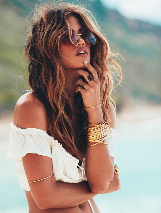 Beachy waves and the beach works perfectly together. The smell of sea salt and sand in your hair is everything you will think about all summer long. #wavyhair #hairstyle