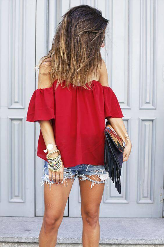A red color will raise up your mood and will make you look stylish. Ripped denim shorts add a bit of grunge, boho vibe to this lovely combination. #4thofjuly #outfits