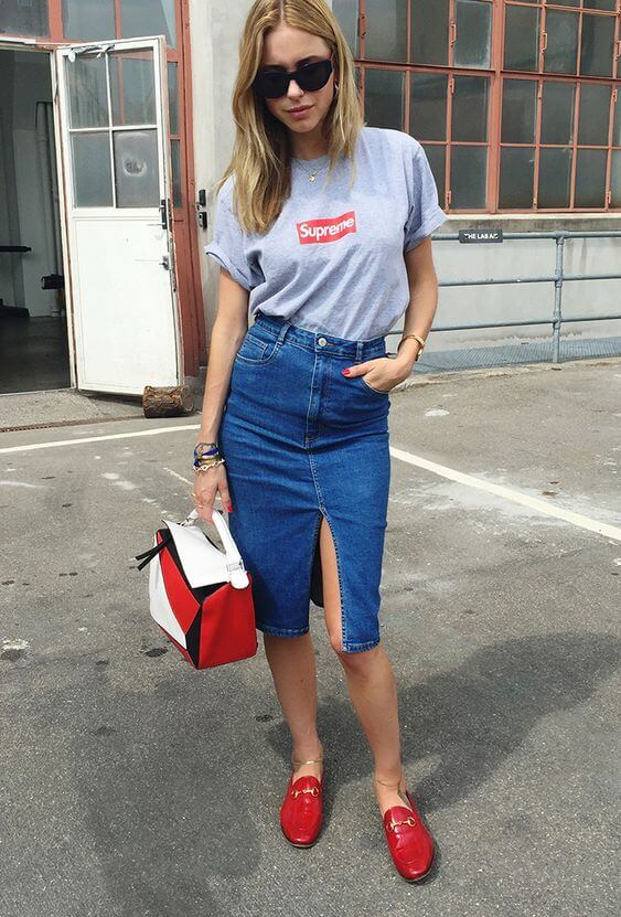 Red, blue and white can be combined into a minimal Scandinavian outfit like this. We love this combination - it is perfect not only for holiday celebration but for everyday wear as well. #4thofjuly #outfits