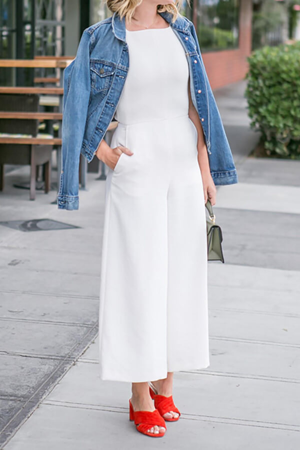 Jumpsuits are not only practical, but they also look very nice for both casual and elegant occasions. Spice up this white item with red mules. #4thofjuly #outfits