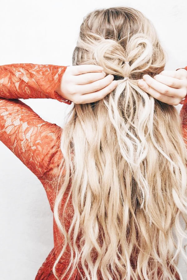 Such long blond waves are absolutely adorable!