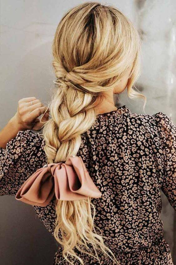 Truly romantic hairstyle to wear on winter party