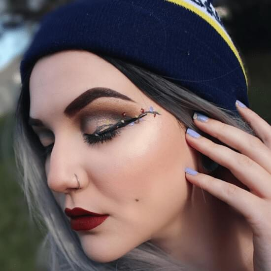 Unique makeup excellent for winter holidays. That's not some ordinary glittery one.