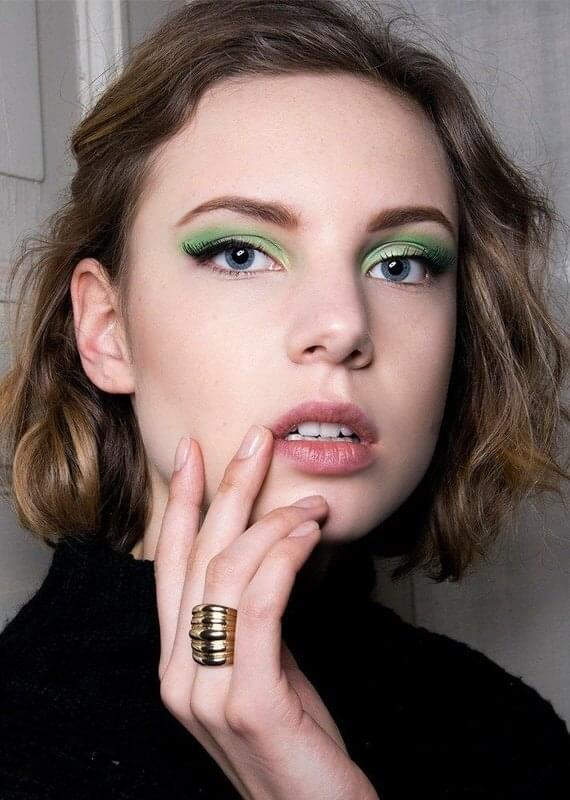 Eye makeup in green - like a Christmas tree