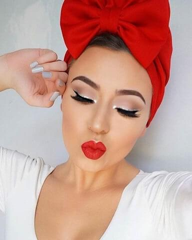Red is a perfect shade for winter holiday makeups