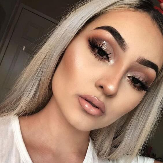Lovely Christmas holiday makeup look