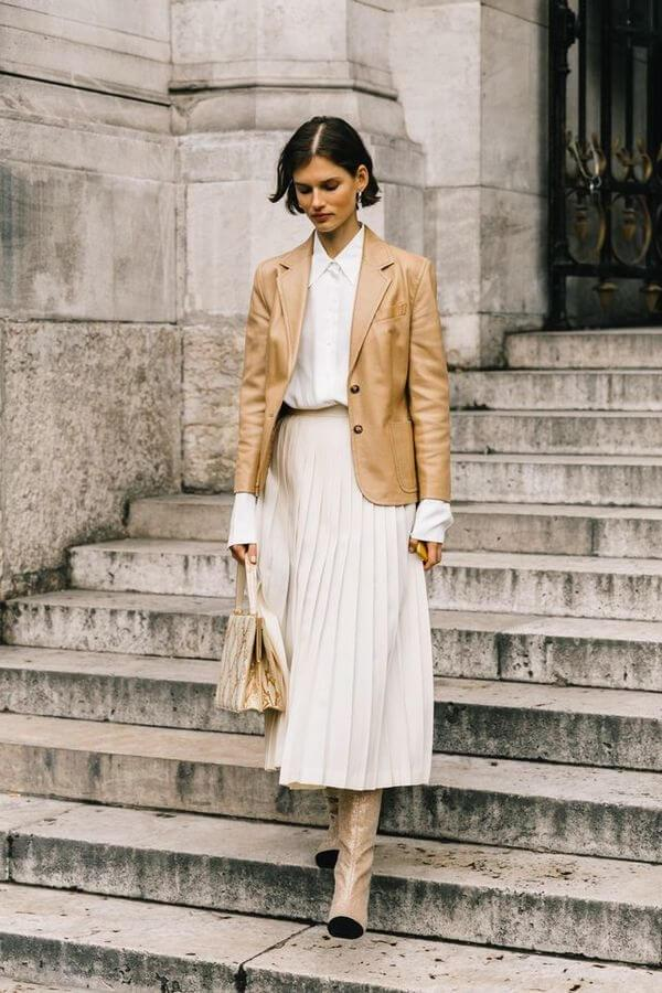 Outfit with beige and white combination
