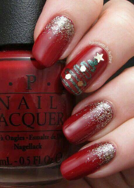 Red in combination with sequins looks fantastic. Christmas tree on your middle finger is pure holiday art. #winternails #naildesign
